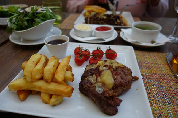 Harvey Nichols Cafe and Terrace Steak and Chips